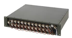 Odolný switch Aqeri 9624-6M s výškou 2U pro zabudování do 19'' racku s AC napájením